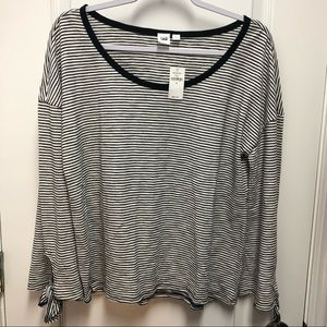 Gap Basic black/white Striped long sleeve shirt
